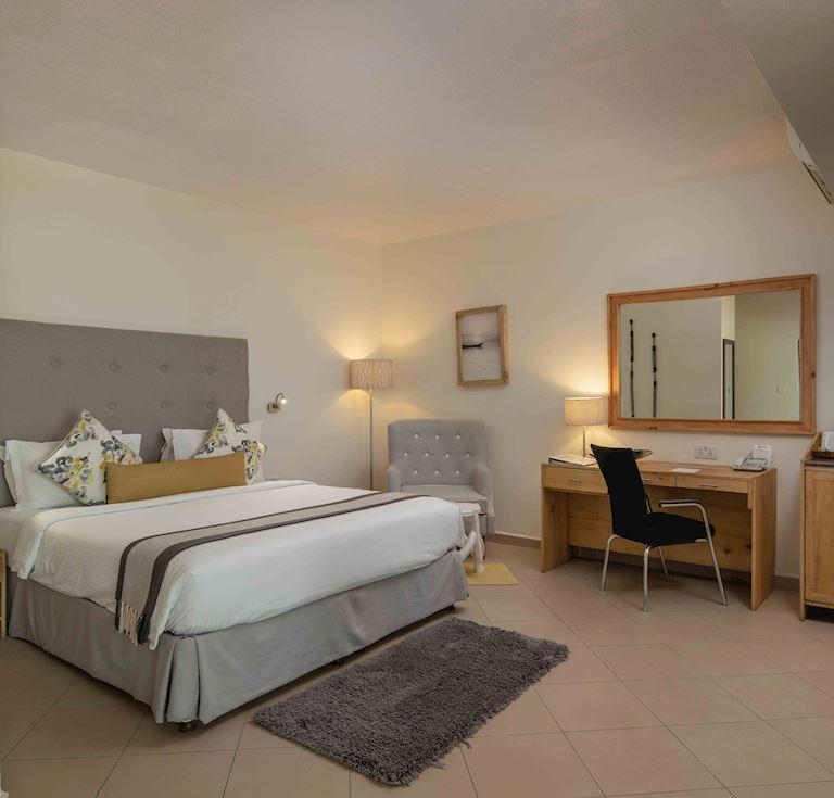 Best Western Coral Beach Hotel - Standard King Room